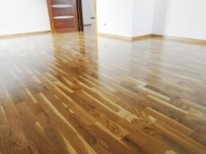 Oak traditional lacquered parquet